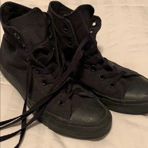 Black out Converse High Tops Men's 6, W8